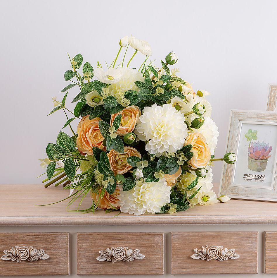 Готовые букет и композиция из цветов, букет